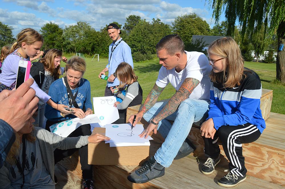Agger, autograf og børn